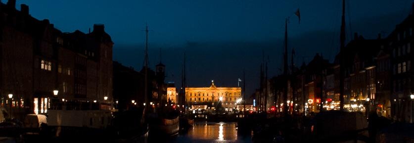 Jan, 2011: Nyhavn. Efter arbejdet blev der ofte taget omveje for, at kunne fotografere lidt inden jeg nåede hjem.