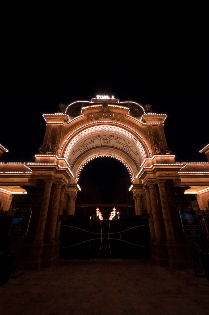 Marts, 2011: Tivolis hovedindgang