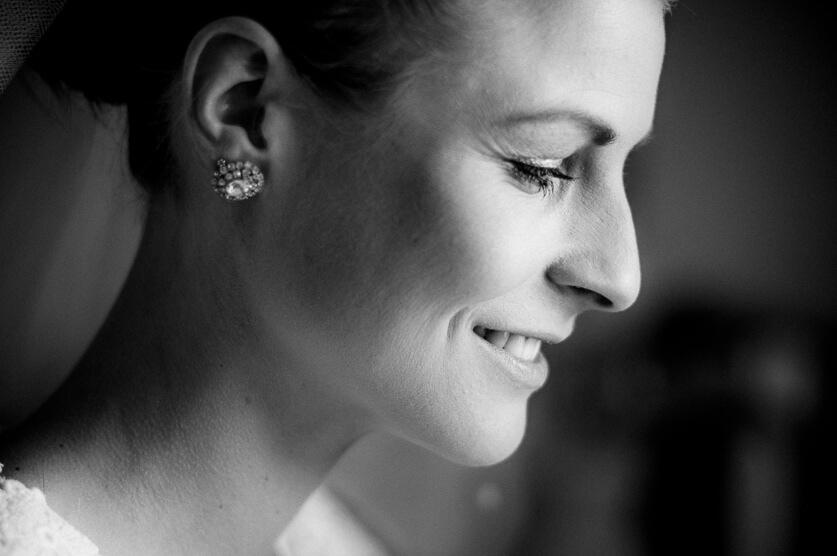 Maj, 2012: Et billede af bruden fra første gang jeg var ude som bryllupsfotograf.