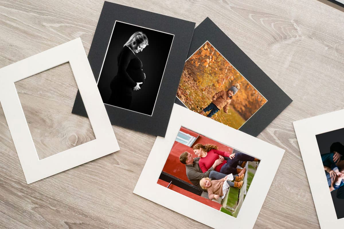 Print boks m. billeder indrammet i passe-partout